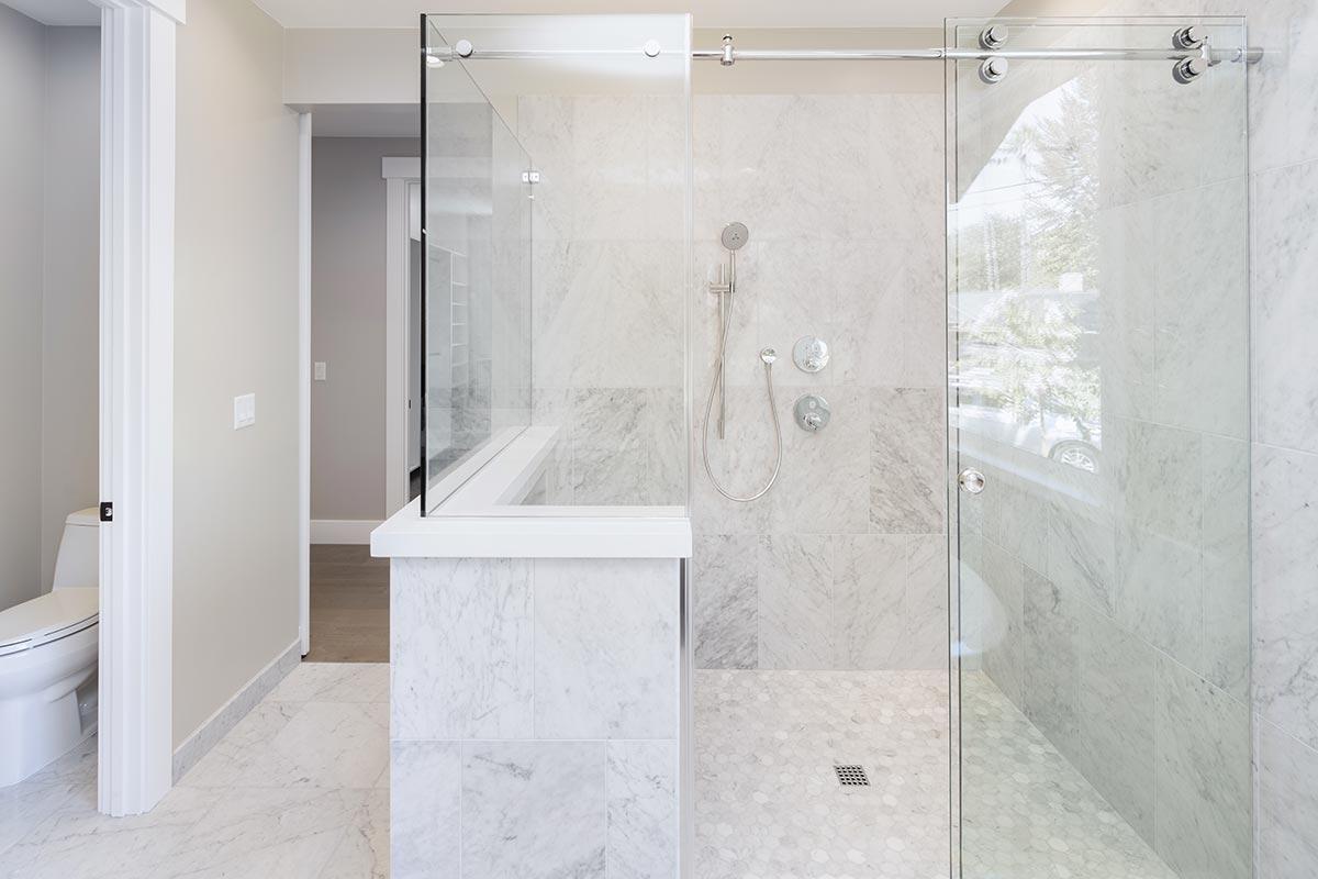 Soluzioni arredamento bagni moderni piccoli.