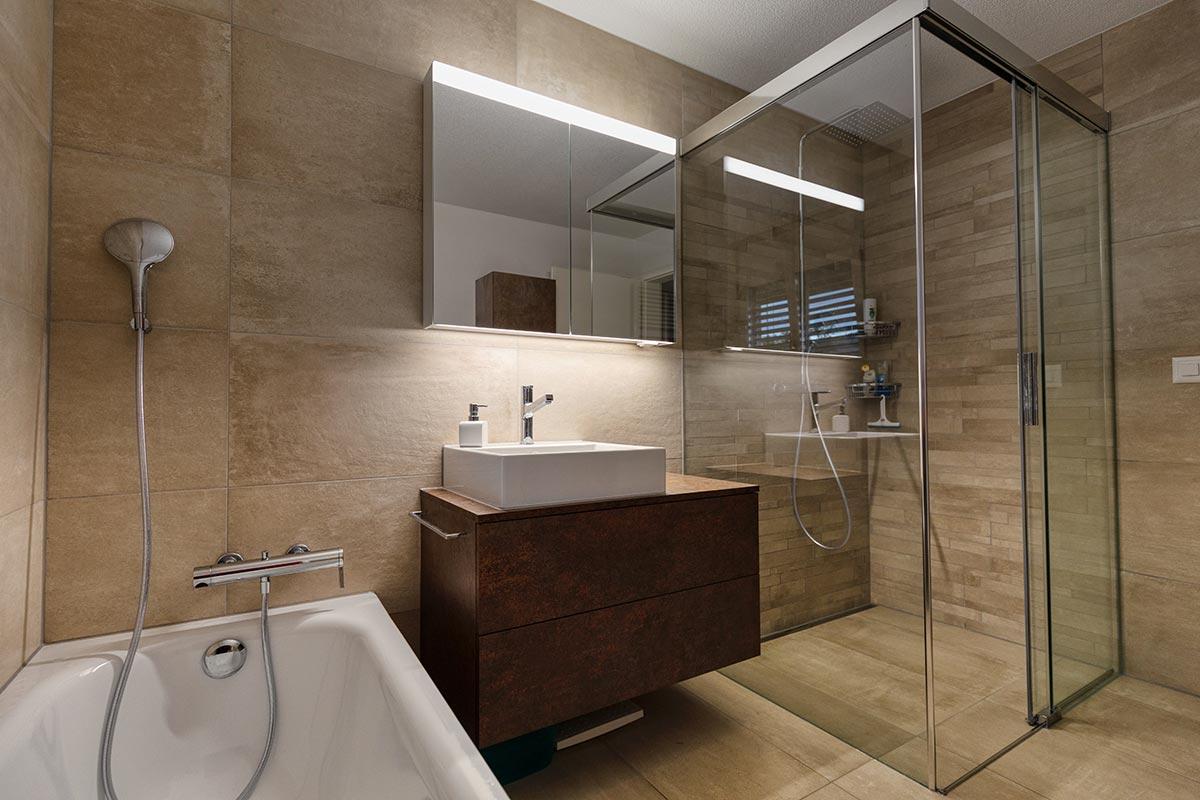 Bagni moderni piccoli, idee e soluzioni di arredamento.