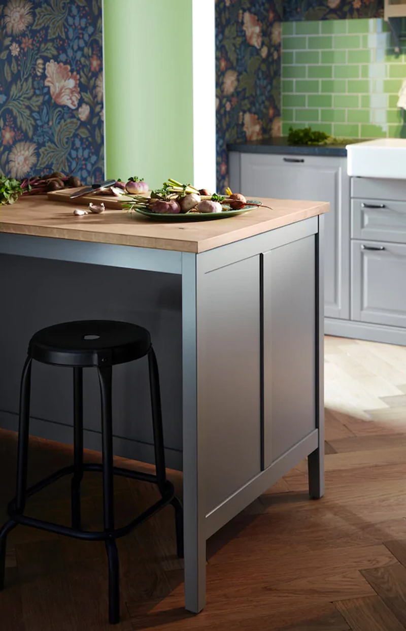 La cucina BODBYN grigio IKEA.
