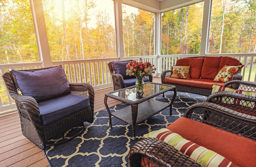 Arredamento veranda in autunno